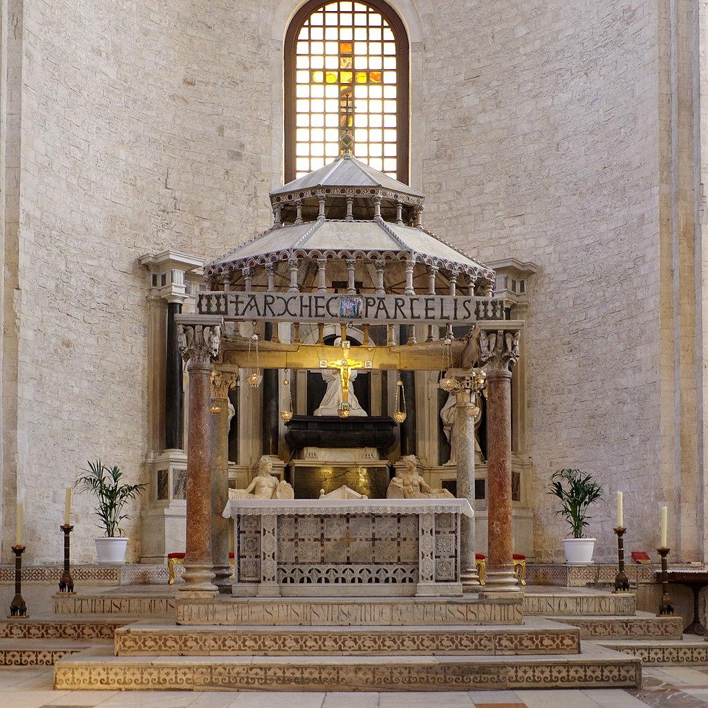 Ciborio.BasilicaSanNicola.Bari